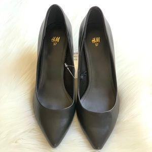 H&M BLACK HEELS